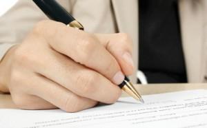 Dávajte si pozor pri podpise zmluvy - všetko si pozorne naštudujte!